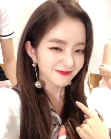 """Red Velvet - Irene on Instagram: """"💗 Don't forget to vote Red Velvet - Power Up ➡️m.mwave.me/en/mcountdown/prevoting/vote⬅️ . . RedVelvet..."""
