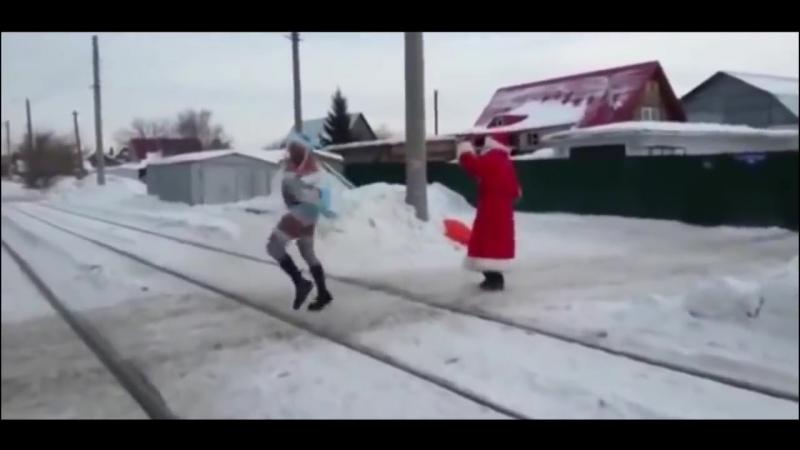 MOZGI Atyatya NOVINKA 2018 Mozgi tantsuj tyotya atyatya Esli by v klipe pokazyvali o chem poyut