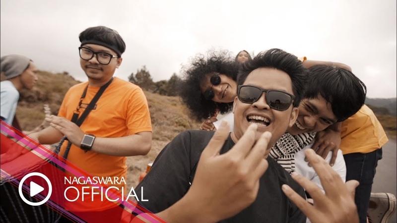 Annandra - Sahabat [Akustik] (Official Music Video NAGASWARA) music