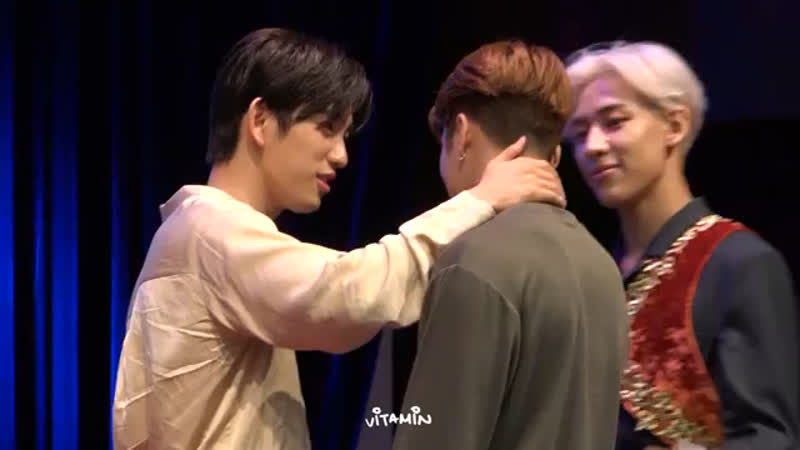 Every video of jinyoung petting jackson adds 10 years to my lifespan
