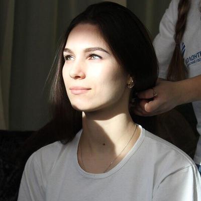 Надя Хосонова