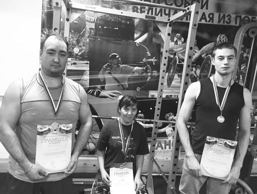 Устьилимцы приняли участие в спартакиаде спортсменов с интеллектуальными нарушениями по пауэрлифтингу