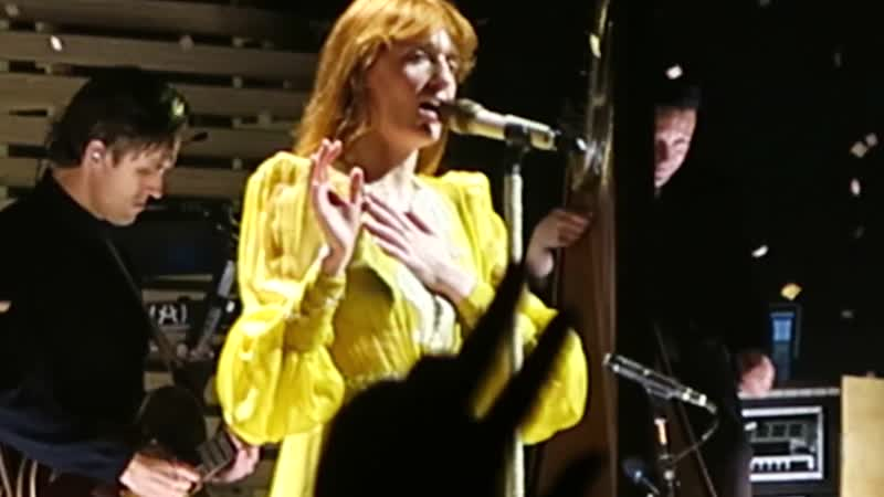 "Florence The Machine _""Shake It Out_"" live concert Wells Fargo Center Philadelphia 2018 High As Hope"
