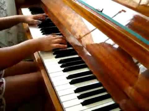 Dj Next Хит ЛЕТА 2010 на пианино