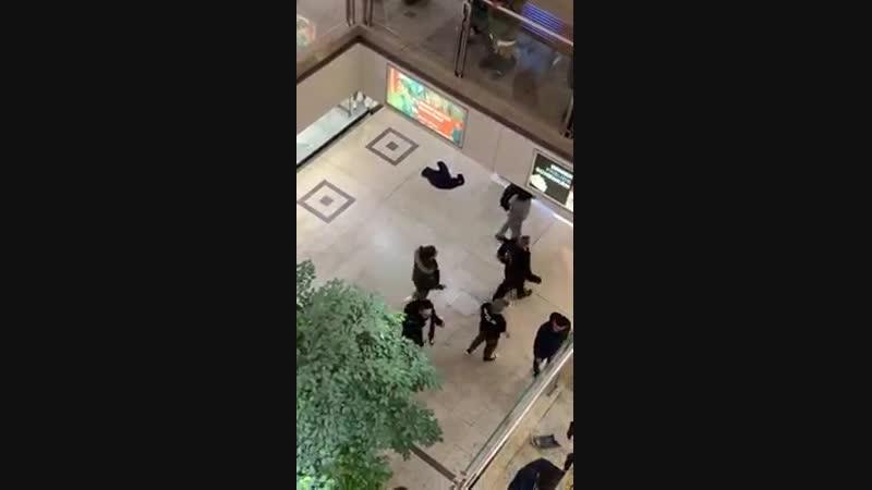 2019-01-12 DE, Siegen: Neu-Bürger machen randale im Einkaufszentrum City-Galerie