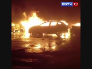 В итальянском порту сгорели сотни новых maserati
