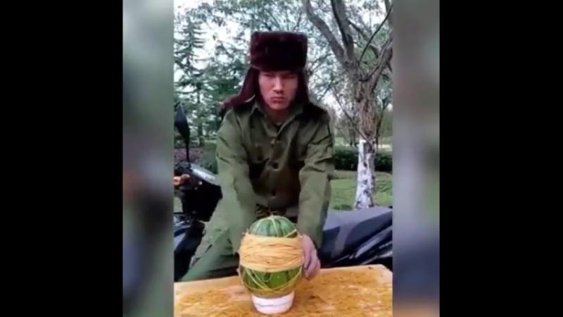 и снова на тему арбузов, понимаешь... теперь и с чукчаме ! %))