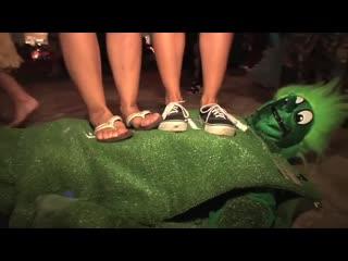 FEMDOM/FOOT FETISH/TRAMPLING