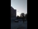 Воздушный шар спрятался за высоткой