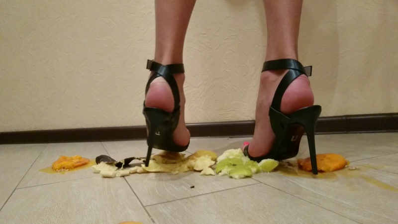 @goddessliza89 crush fruits by sexy heels