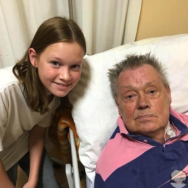 Старшая внучка Николая Караченцова опубликовала последнюю фотографию артиста на своей странице