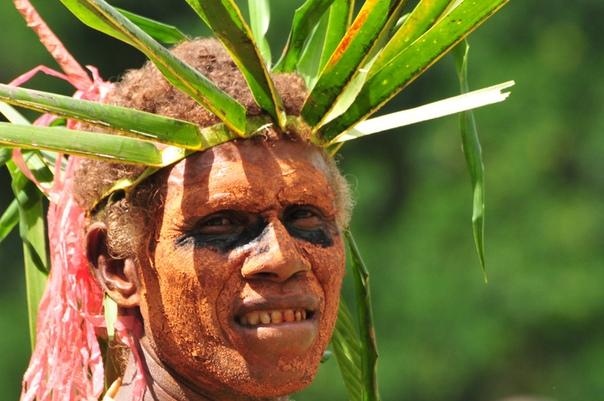 Жители острова Бугенвиль в Тихом океане говорят на языке ротокас, в котором насчитывается всего 12 букв