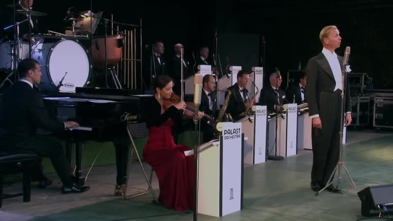 Max Raabe Palast Orchester Singing In The Rain