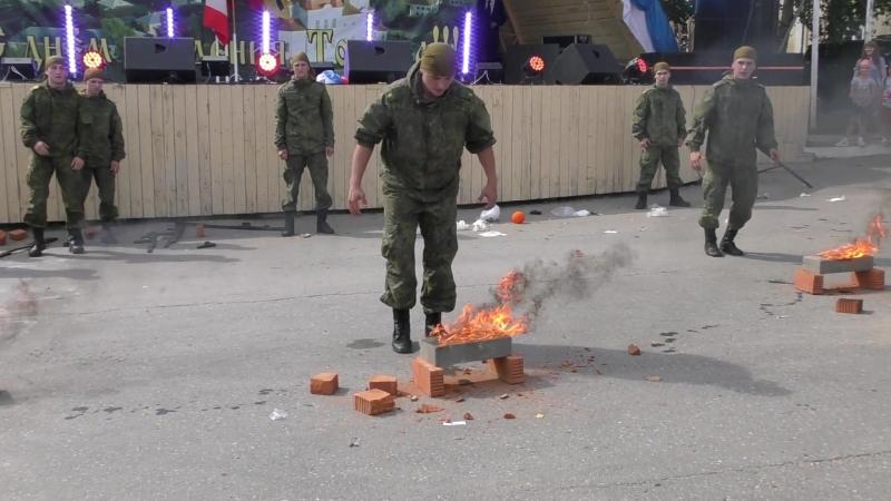 Выступление курсантов Череповецкого высшего военного училища, 11 августа 2018 года.