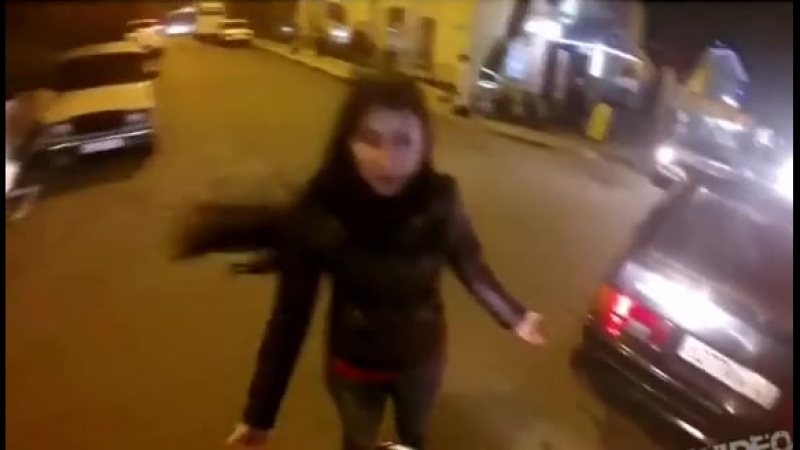 Тупая баба за рулём
