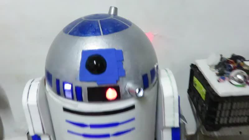 R2 D2 By Aldo Rodrigo Sanchez Tovar