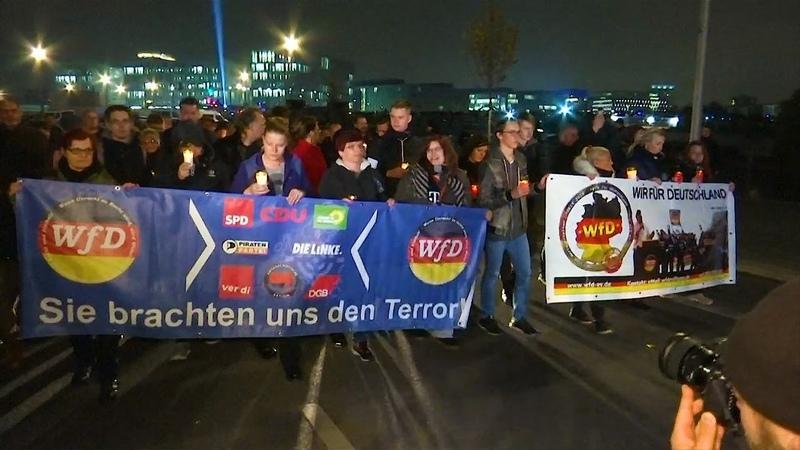 In Berlin fand heute ein Trauermarsch für die Toten von Politik! doch noch statt