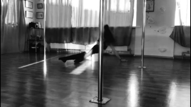 Виктория Лайвли - Exotic Pole Dance
