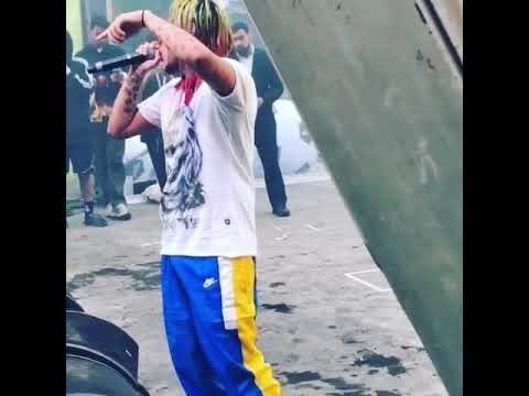 6ix9ine включил на концерте трек XXXTentacion Look at me