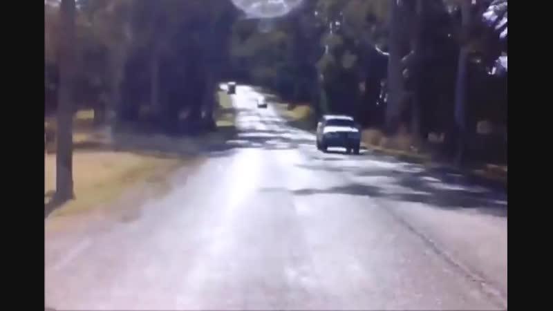 Заблокировал дорогу