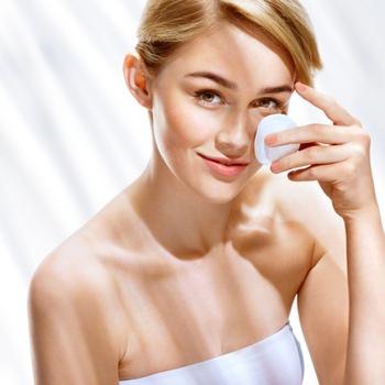 Как выбрать лучший солнцезащитный крем для жирной кожи?