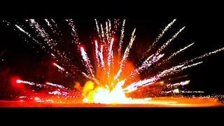 Невероятно МОЩНЫЙ и КРАСИВЫЙ взрыв! ФЕЙЕРВЕРК + БЕНЗИН + ПЕТАРДА