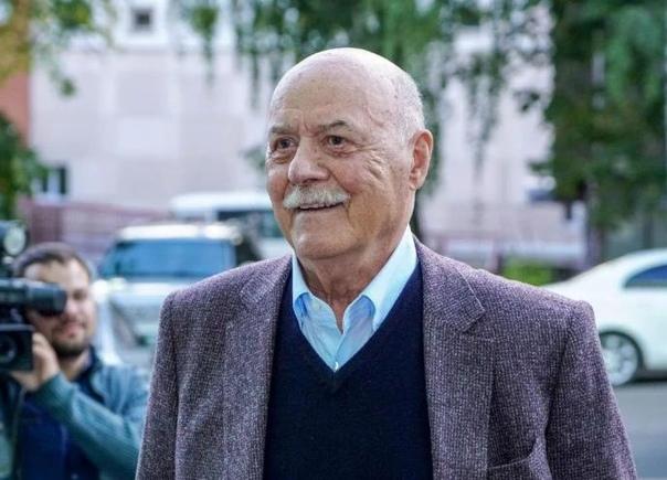 Сегодня родился Станислав Говорухин.