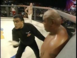 Первый бой в истории UFC: парни жарили по полной