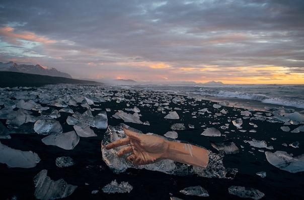 Глоток воздуха Художник Шон Йоро, больше известный как Hula, вырос на цветущих, но таких хрупких, буквально расположенных на вулканах, Гавайях. Место рождения, как признается автор, повлияло на