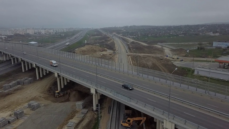Подходы Ж.Д.Керчь.14 04 2019.От южного входа в тоннель.Первые рельсы на мосту с Керченской стороны.