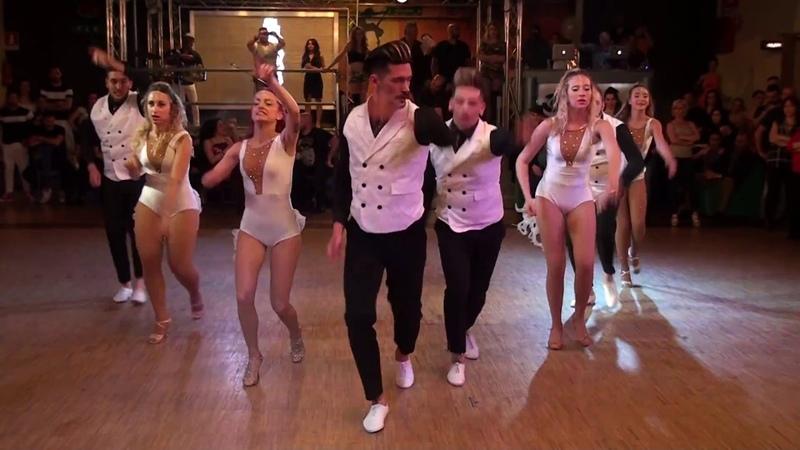 Mi Salsa Tiene Sandunga Elito Revé Cuban Angels Show al Caraibe