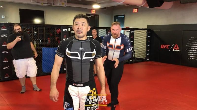 Kazushi Sakuraba And Josh Barnett Have Mini Grappling Match Before Quintet 3 - MMA Fighting