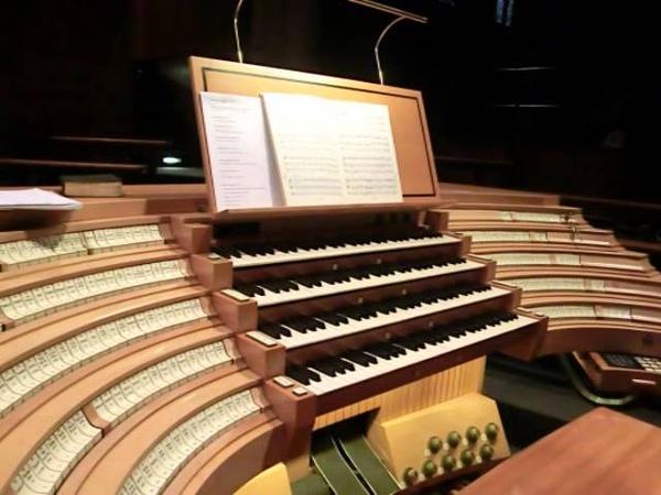 Ruben Sturm improvisiert im Kölner Dom (Fanfare Gaudeamus omnes in Domino)
