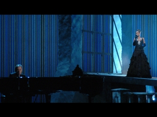 Beyoncé & Andrew Lloyd Webber - Learn To Be Lonely (Live @ The 77th Academy Awards 2005)