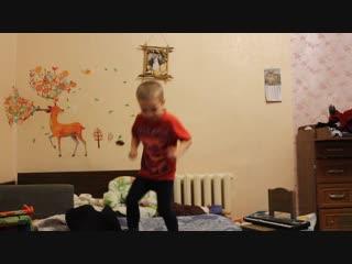 Зажигательные танцы от Ярика ч1