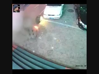 Фейерверк   спровоцировал   мощный    взрыв  в канализации