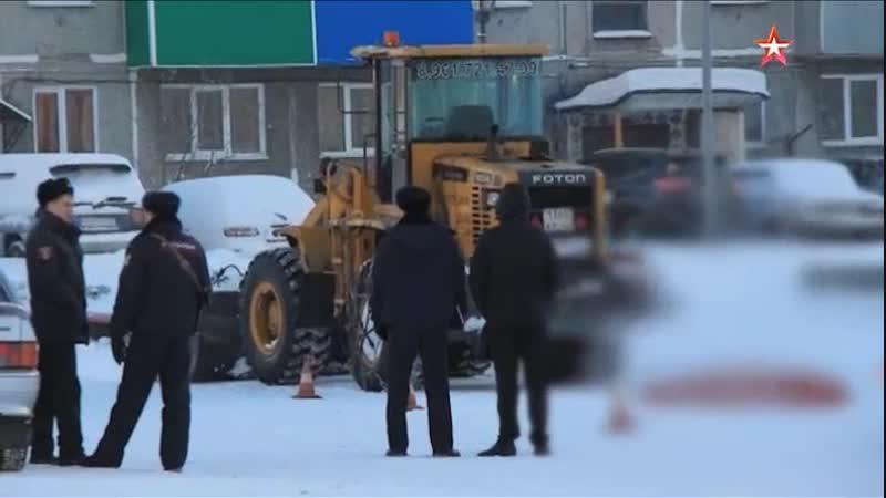 Ребёнок погиб на площади в Междуреченске: видео момента трагедии (18)