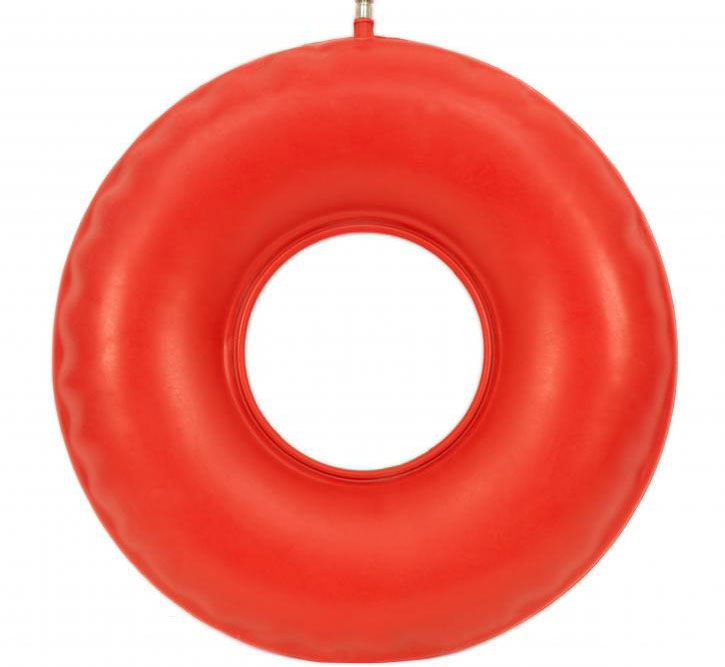 Надувной «пончик» может принести облегчение человеку, страдающему геморроем.