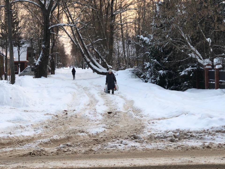 Жители селигерских  деревень возмущены снежным коллапсом
