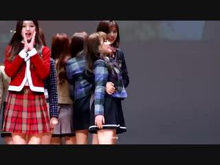 181116 IZ*ONE (IZONE) - Oh My!   fansign performance Nako fancam