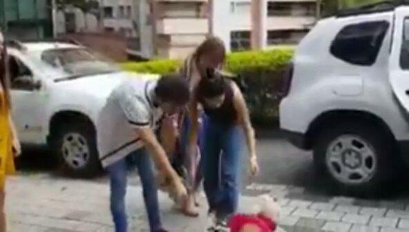 """《Ruggelaria ♡》 on Instagram """"《algo de Colombia😍 querían hacerle mimos a la perrita aunque solo les ladrara 🐶😂》ruggelaria candemolfese ruggerop..."""