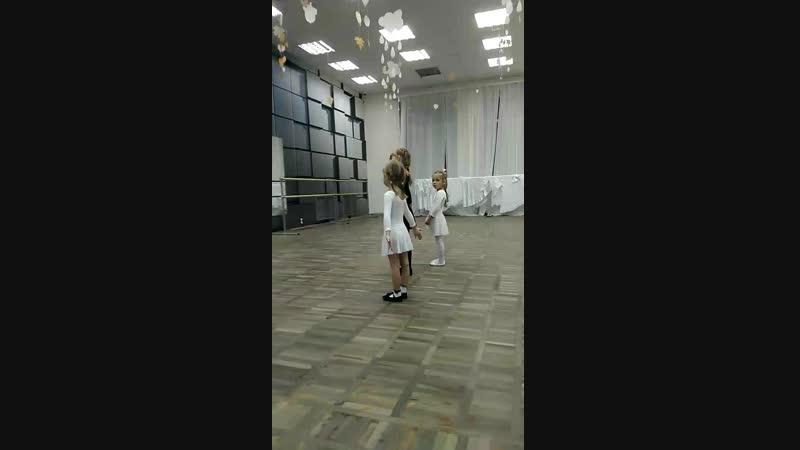 Куколка на балете