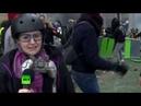 Водомёт камни и разбитые стёкла журналист RT попала в гущу событий на протестах жёлтых жилетов