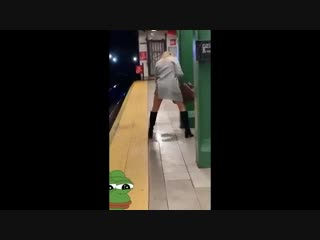 Drunk woman pissing on the NYC subway Fail - YouTube (360p)