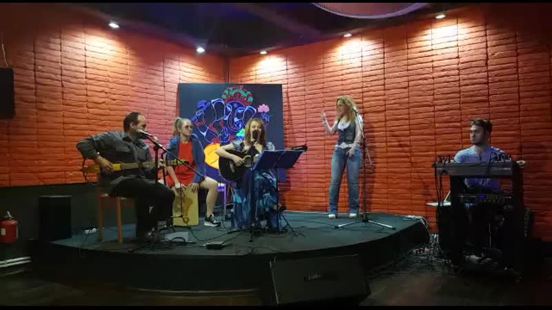 Рыжее пламя Татьяна Красовская и акустик бенд