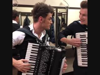 Алексей Воробьев сыграл на аккордеоне с Петром Дрангой