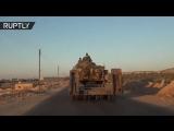 Колонна сирийских войск направляется к линии фронта на границе провинции Идлиб