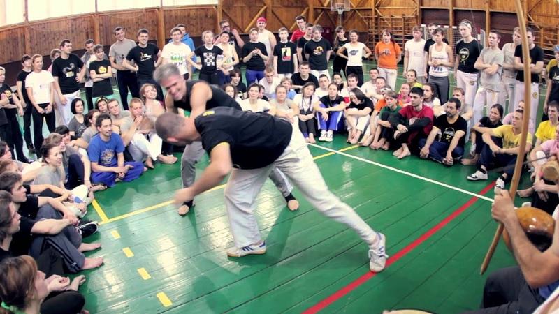 Mestre Edan e Prof Ta Russo Real Brazil 2013 Terra nova Real Capoeira
