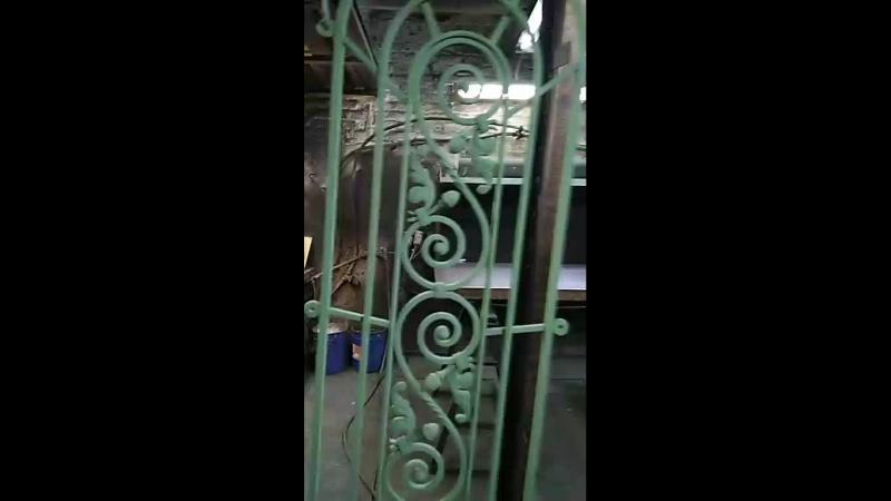 покраска кованной решетки на дверь