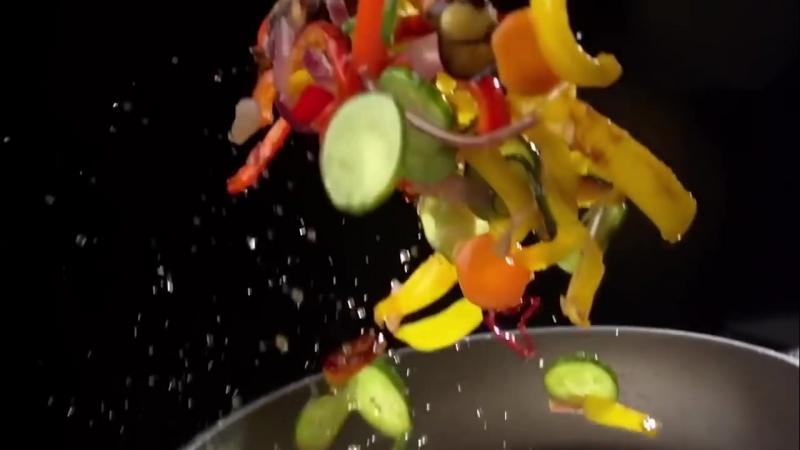 Макросъёмка красивого приготовления еды